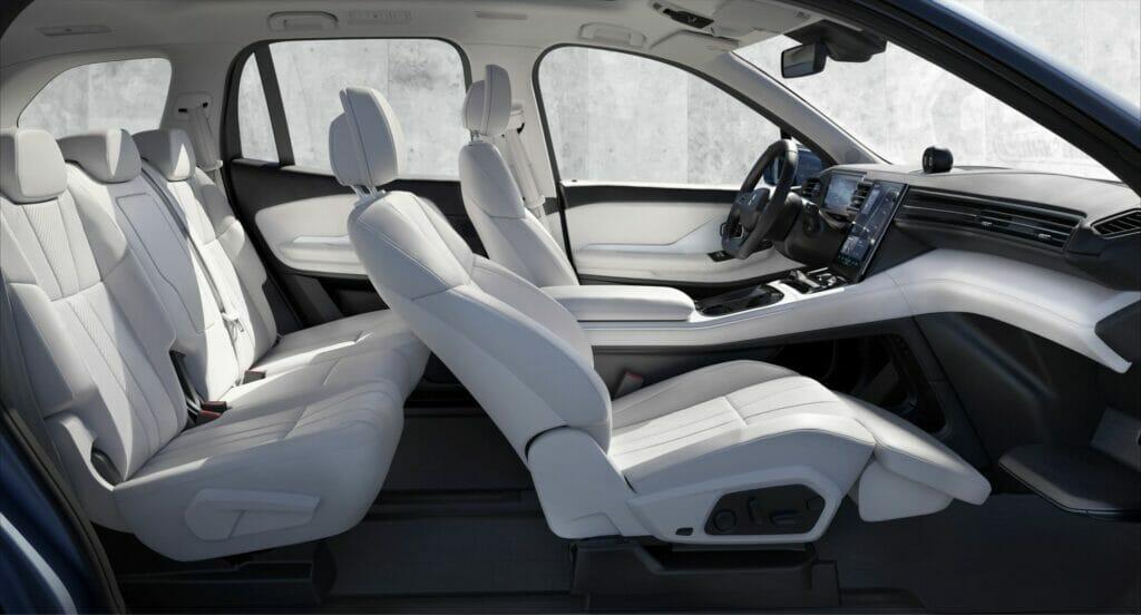 Sitzsysteme: Kreislaufwirtschaft im Automobilbau mit neuartigem Werkstoff