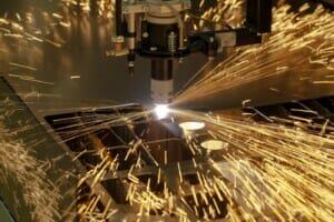 Kollisionskontrolle: Zusammenstöß zwischen geschnittenem Werkstück und Faserlaser-Kopf vermeiden