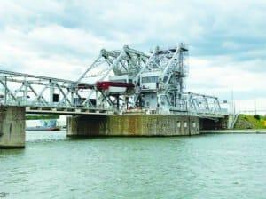 Klappbrücken im Hafen von Antwerpen