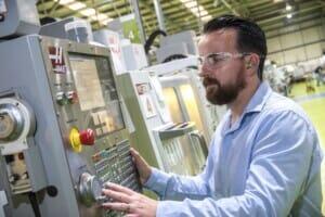 Flexible CNC-Vorlaufzeiten: Fertigungsplattform von Protolabs mit neuem Angebot