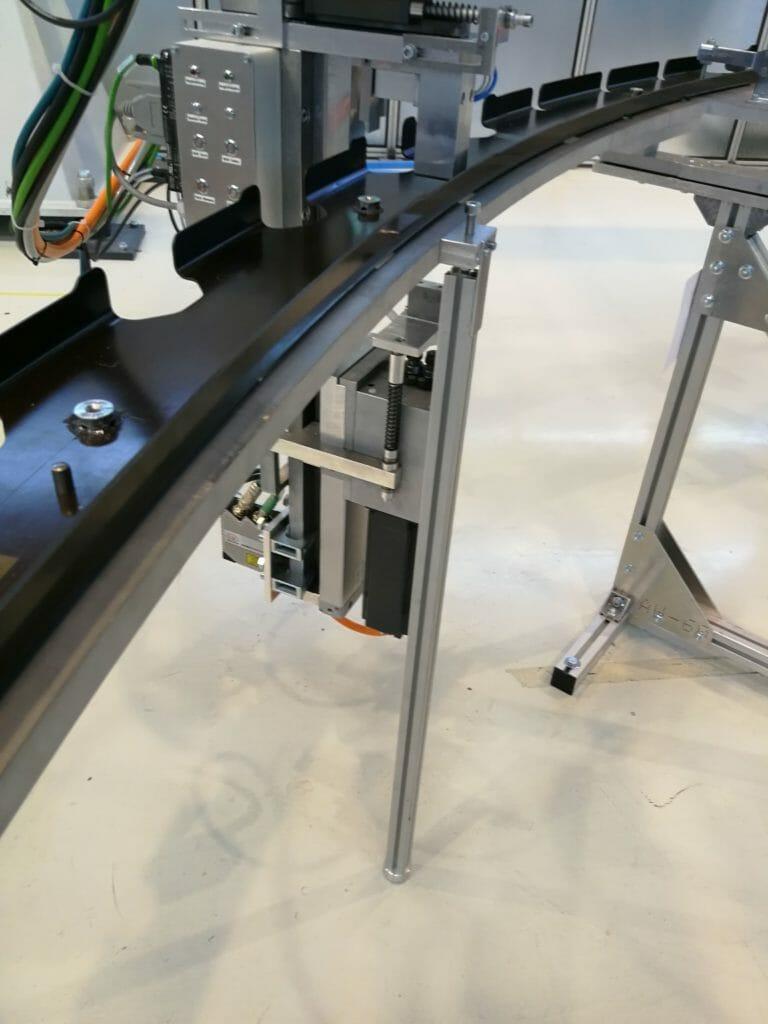 Integralspante automatisiert vormontieren