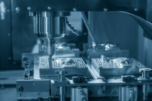 CNC-Werkzeugmaschinen mit neuronalem Netz stets im Blick