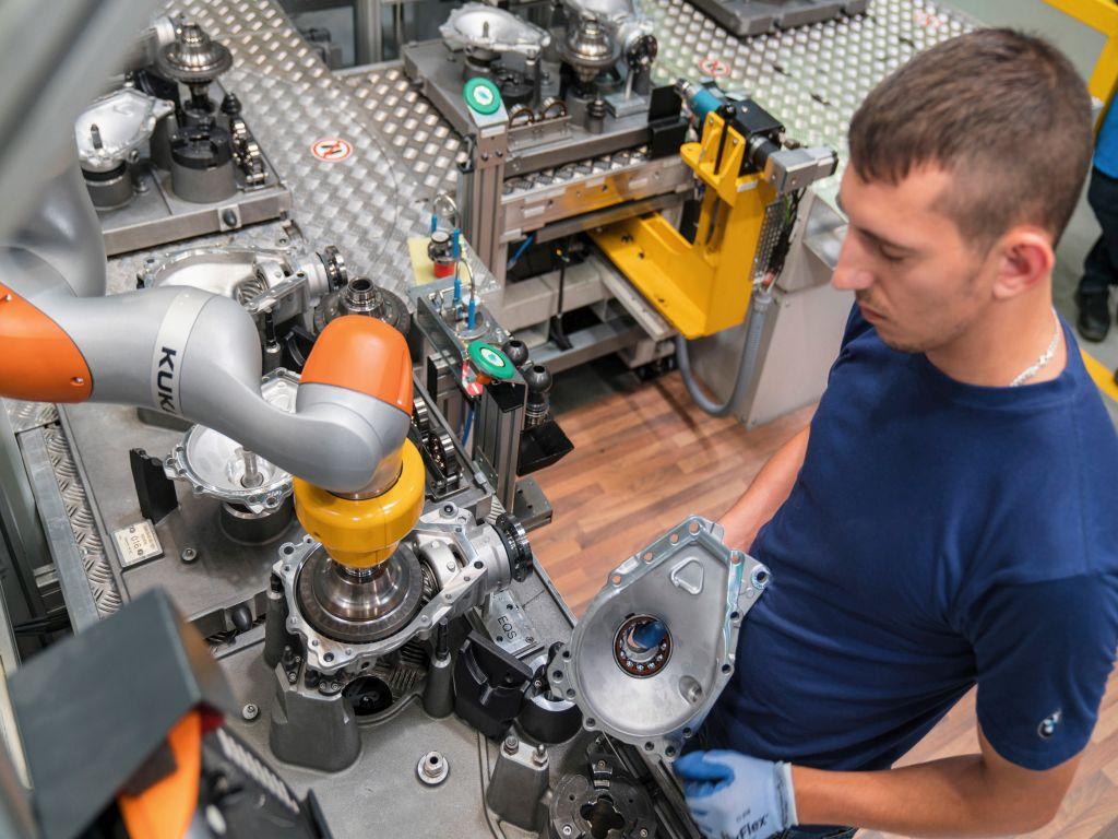 EMO: Mensch und Roboter gemeinsam zum Erfolg
