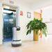 Aufzüge mit Schnittstelle machen Roboter zu ganz normalen Fahrgästen